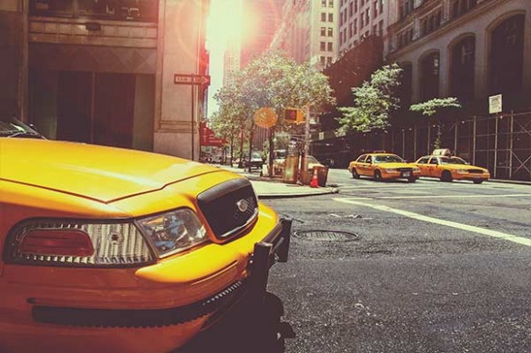 déco mur taxis new yorkais jaune