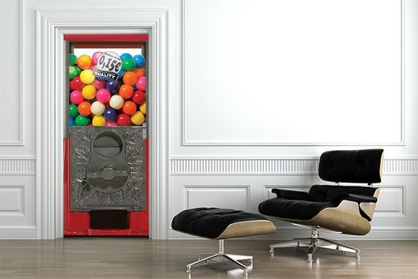 Sticker porte distributeur de bubblegum izoa for Decorer une porte d interieur