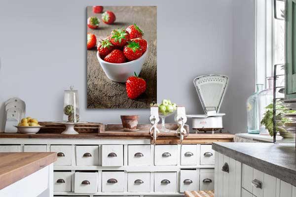 Tableau cuisine coupelle de fraises izoa for Decoration murale pour cuisine