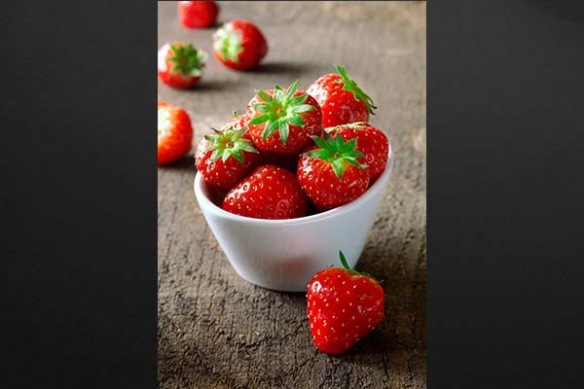 Tableau mural xxl fraises