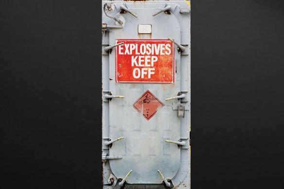 Sticker Porte Design Danger Explosif