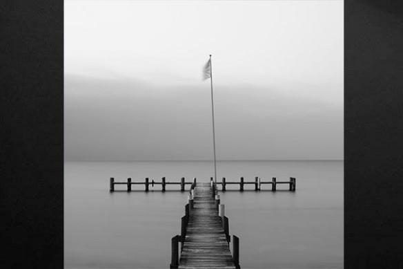 decoration mur noir et blanc photo drapeau lac