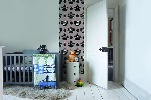 papier peint chambre enfant bateaux pirates izoa. Black Bedroom Furniture Sets. Home Design Ideas