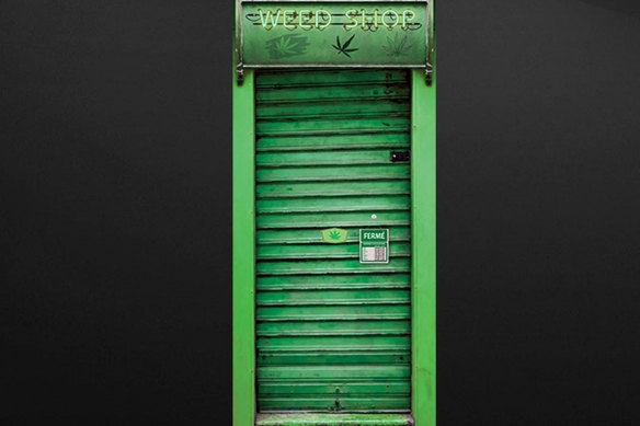 trompe oeil porte Devanture Métallique vert weed