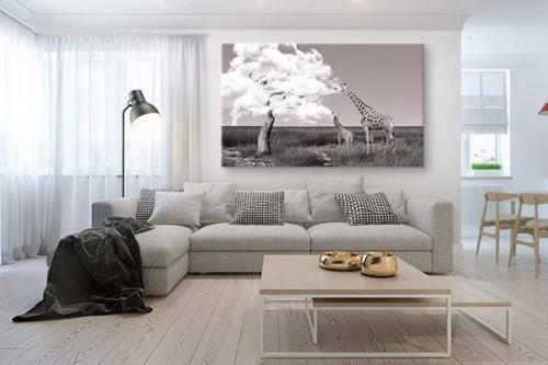 tableau décoratif girafe salon contemporain
