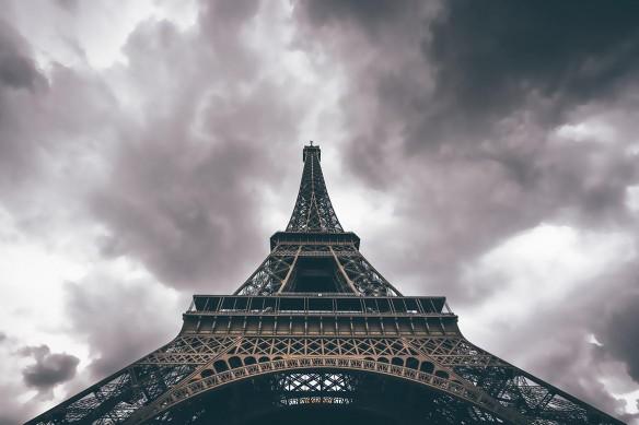 Tableau grand format Tour Eiffel vue d'en bas