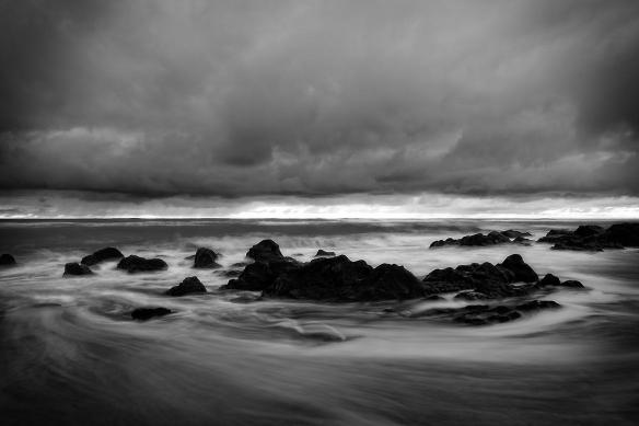 Tableau noir et blanc courant marin