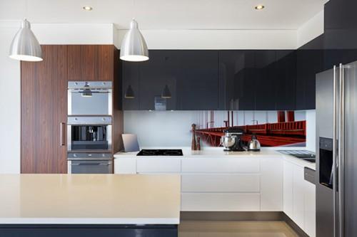 credence rouge stunning photo de credence pour cuisine crence pour cuisine crence pour in. Black Bedroom Furniture Sets. Home Design Ideas