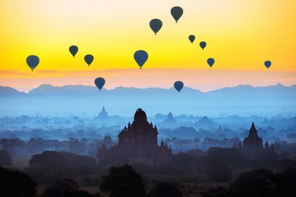 papier peint haut de gamme montgolfieres myanmar