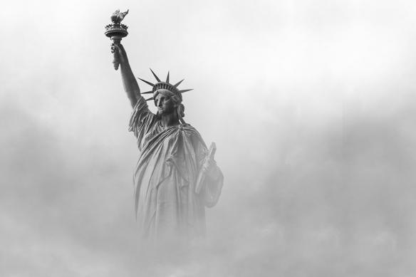 tableau noir et blanc new york statue liberté