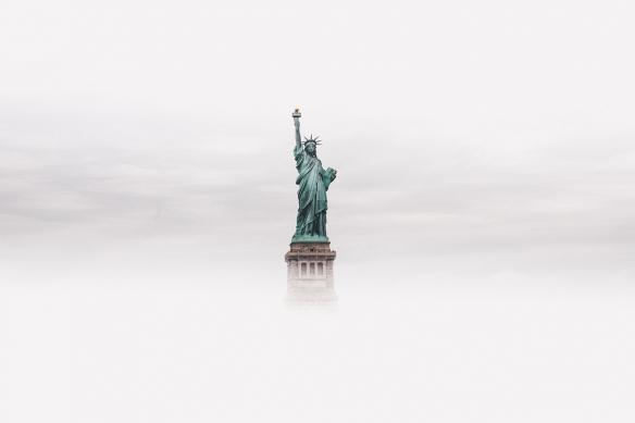 toile new york statue liberté brouillard
