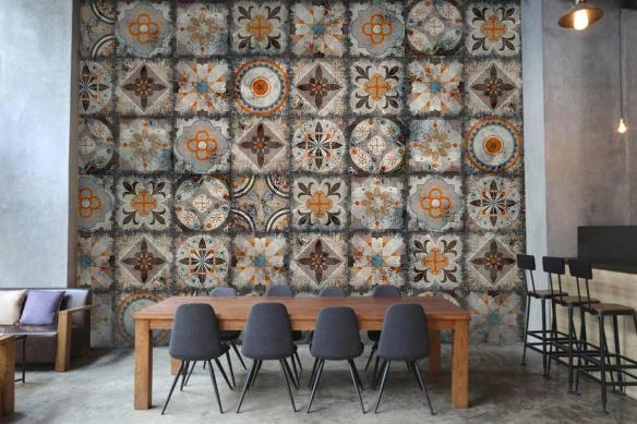 décoration restaurant papier peint carreaux de ciment izoa