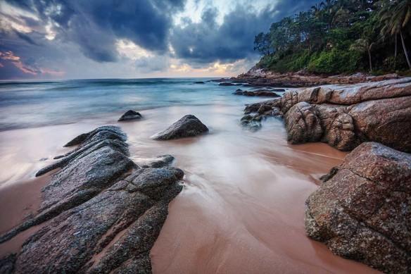 tableau-mer-et-plage-brise-été