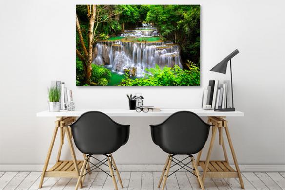 Tableau tropical Cascade dans la jungle