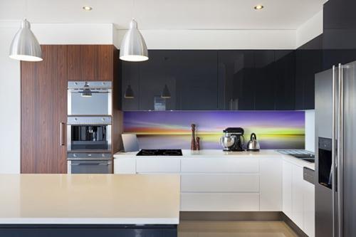 crédence à coller cuisine design clair obscur violet