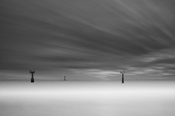 tableau-noir-et-blanc-entre-ciel-et-mer