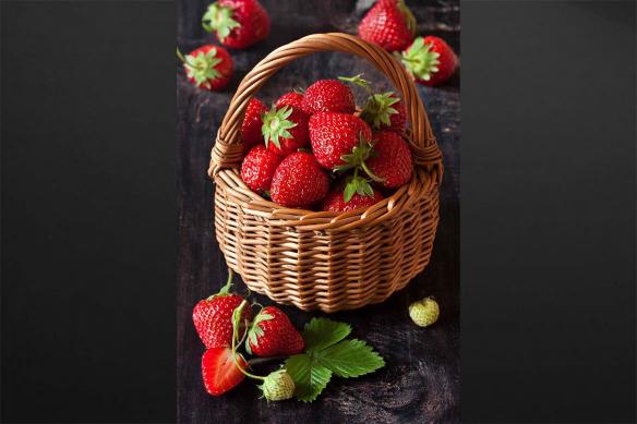 cadre déco cuisine panier de fraises
