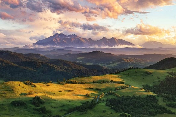 papier-peint-panoramique-chambre-nature-vallonnee
