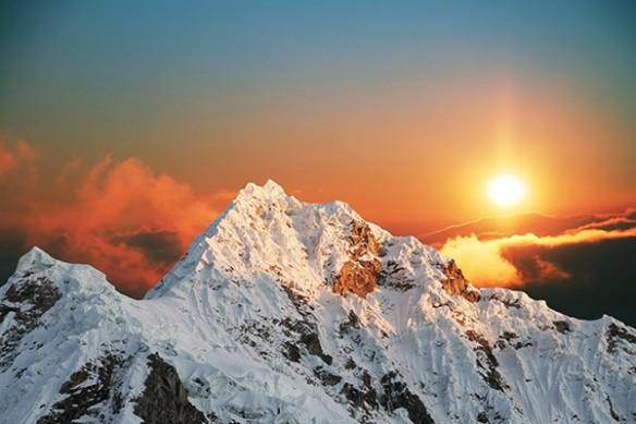 couché de soleil sur montagne