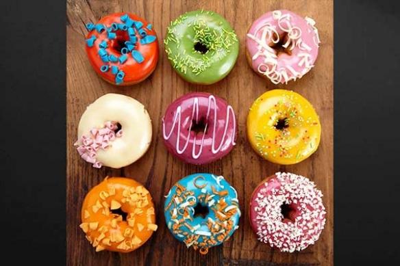 glaçage donuts coloré tableau cuisine