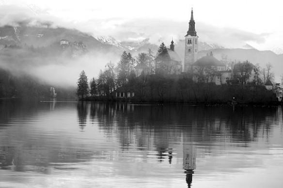 Tableau noir blanc le village