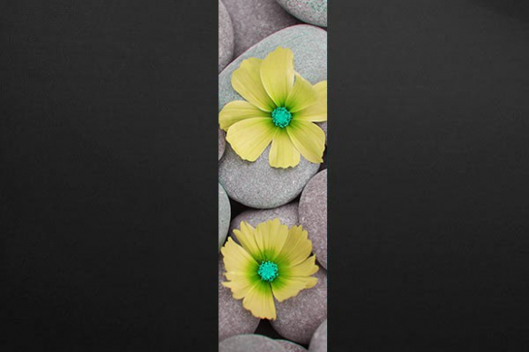 Papier peint fleur jaune galets zen