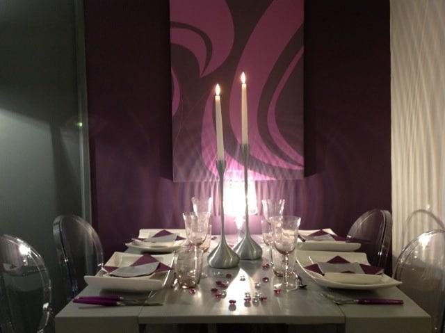tableau abstrait moderne violet izoa sur m6