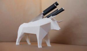 Range couteaux taureau blanc