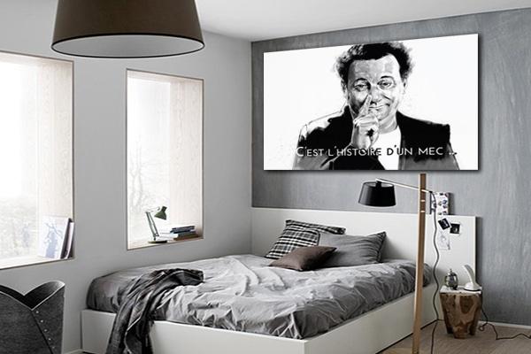 Tableau Coluche chambre grise