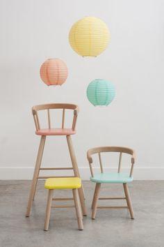 Chaises pastels