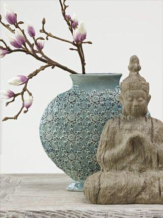 vase et statuette zen