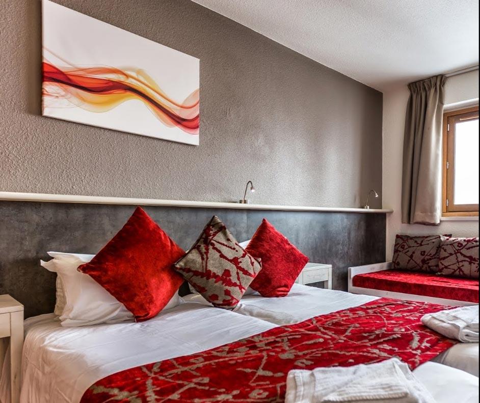 Toile design Izoa hotel Viking Morzine
