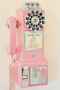 Téléphone rose vintage