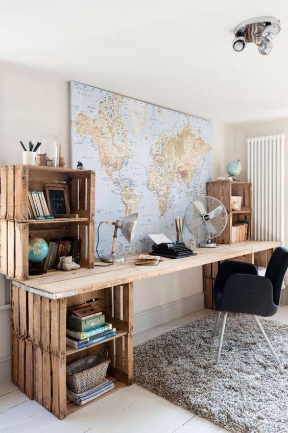 Bureau avec caisses en bois