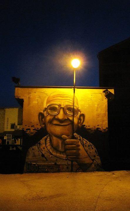 Street art Serbie la nuit