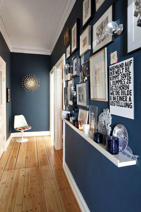 décoration couloir avec cadres déco