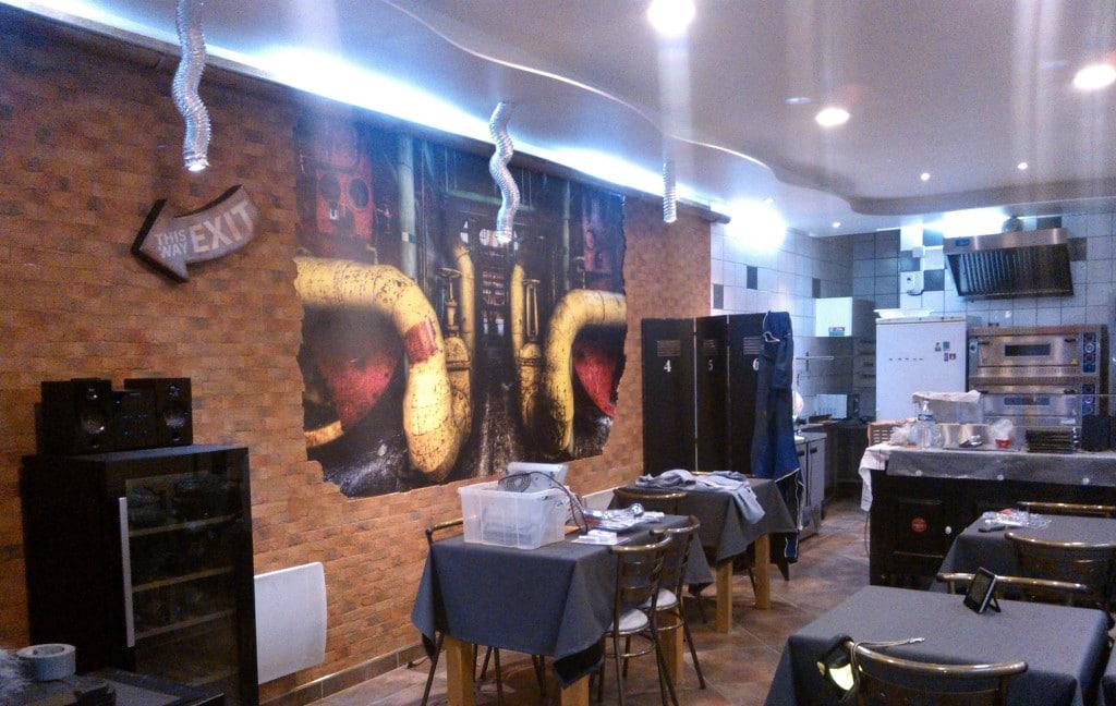 Déco pizzeria originale lacicrane avec papier peint trompe l'oeil