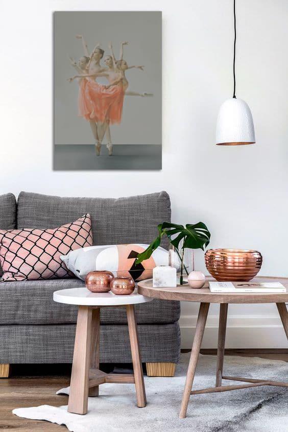 Décoration salon scandinave cuivre et tableau déco