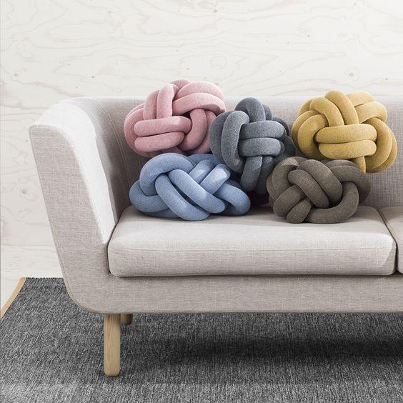 coussins pelote de laine