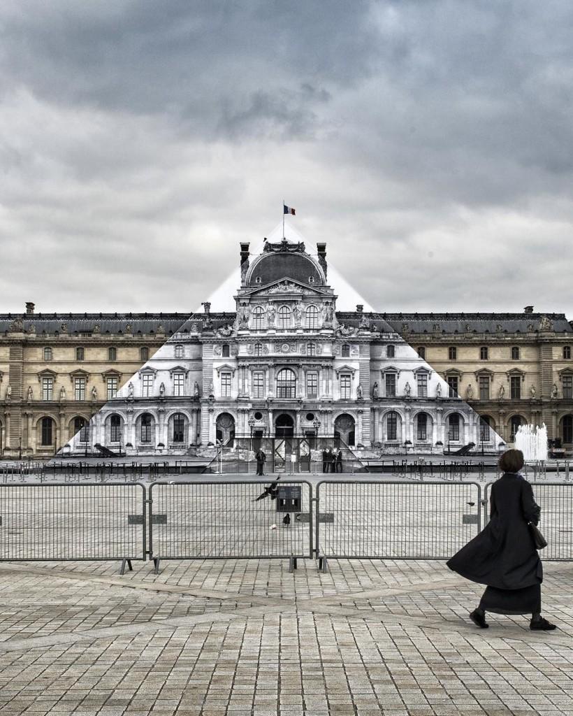 Louvre JR