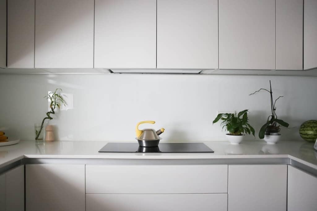 Cuisine blanche minimaliste