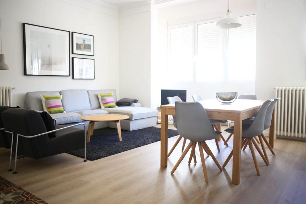 D coration moderne et minimaliste visite chez une for Salle sejour decoration