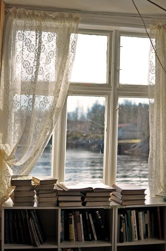 bibliothèque rebord de fenêtre