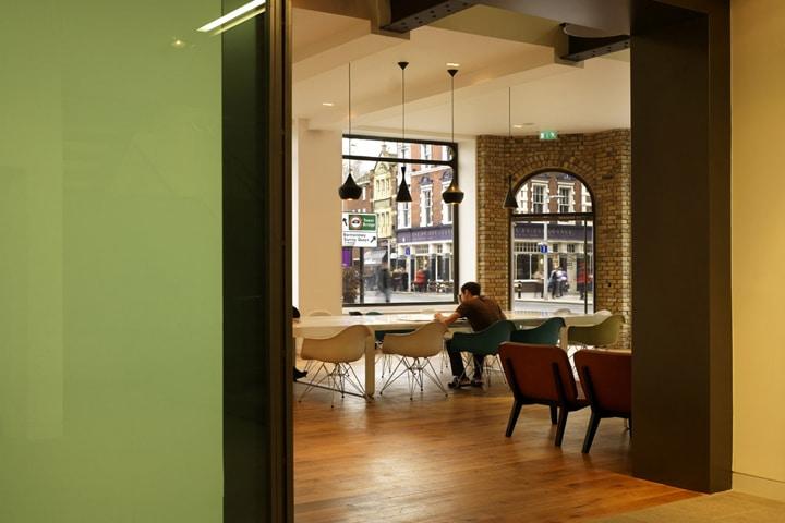 décoration bureaux entreprise Redbull Londres