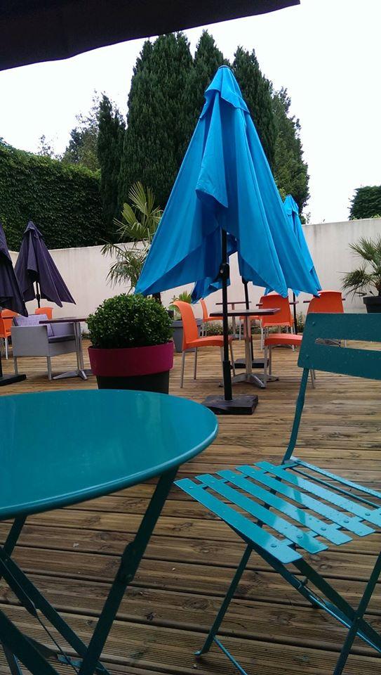 Décoration terrasse colorée