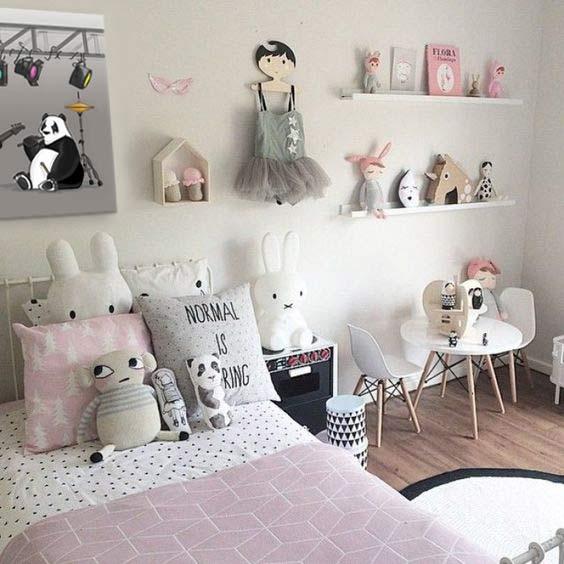decoration-chambre-enfant-rose-et-gris