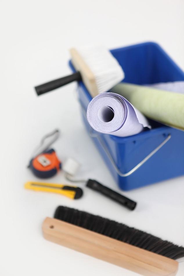 outils-pour-poser-du-papier-peint