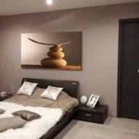 Quel tableau au dessus d\'un canapé marron ? - Blog Izoa