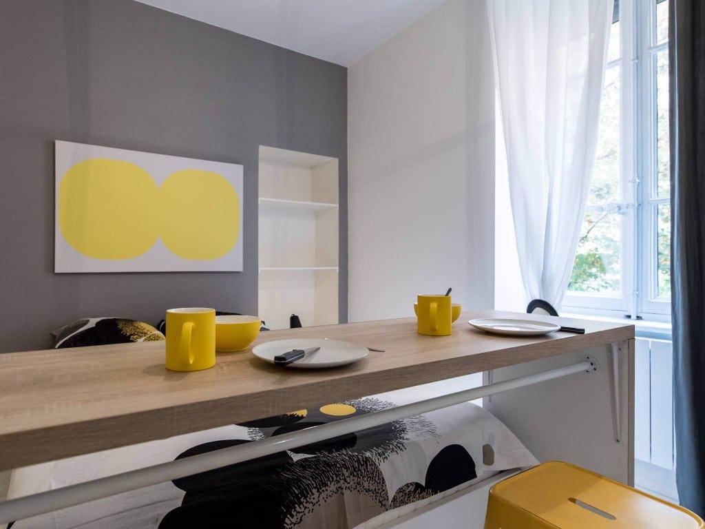 deco chambre moderne gris en jaune