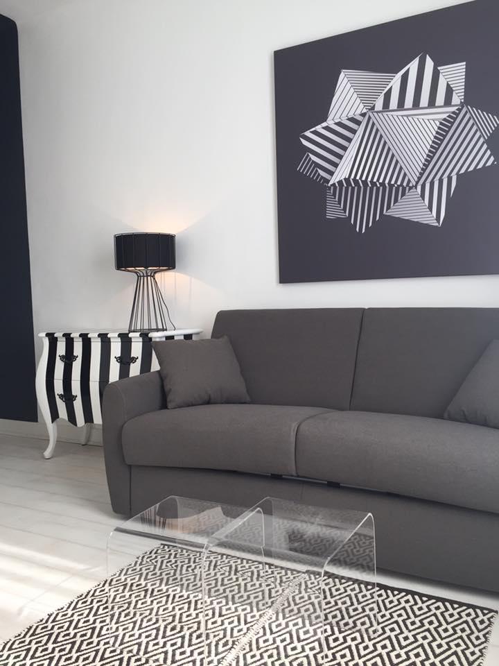 déco salon noir et blanc tableau design Izoa